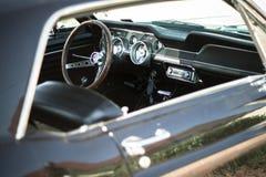 Ford Mustang内部 免版税库存照片