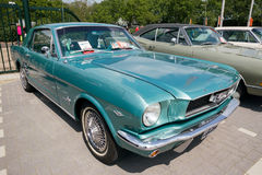 1966年Ford Mustang葡萄酒跑车 库存照片