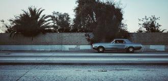 Ford Mustang abajo allí en Los Ángeles Foto de archivo
