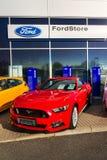 Ford Mustang-auto voor Ford-de het handel drijvenbouw van het motorbedrijf Royalty-vrije Stock Foto's
