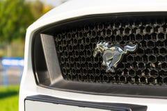 Ford Mustang-auto voor Ford-de het handel drijvenbouw van het motorbedrijf Stock Afbeeldingen