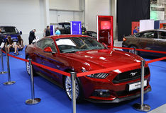 Ford Mustang GT montré à la 3ème édition de l'EXPOSITION de MOTO à Cracovie Pologne Photographie stock libre de droits