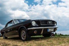 Ford Mustang-Oldtimer stockbild