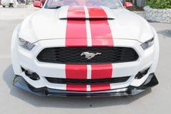 Ford Mustang op vertoning Stock Afbeeldingen