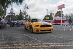 Ford Mustang op vertoning Stock Afbeelding