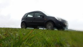 Ford na trawie Zdjęcia Royalty Free