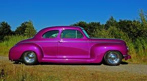 Ford Plymouth Club Coupe 1942 em HDR imagem de stock