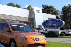 Ford przedstawicielstwo firmy samochodowej Obrazy Royalty Free