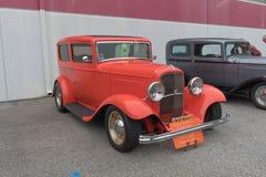 Ford Sedan 1932 auf Anzeige Stockfoto