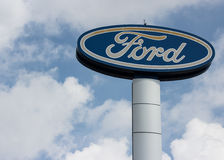 Ford-signage Opgericht door Henry Ford stock afbeelding
