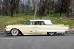 1959年Ford Thunderbird小轿车 免版税图库摄影