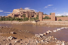 Ford Under The Kasbah Of Ait Benhaddou Fotografie Stock