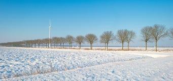 Forderung durchgesetzt im Schnee im Winter Stockfotos