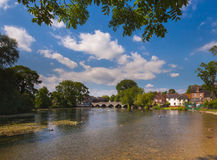 Fordingbridge и река Эвон в Хемпшире Стоковые Изображения RF