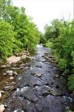 Forellen-Fluss-Strom, Franklin County, Malone, New York, Vereinigte Staaten lizenzfreie stockfotografie