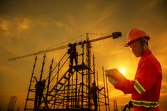 Free Foreman Supervisor Engineering Checking Construction Site Royalty Free Stock Photography - 160634527