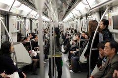 Forenzen in metro stock afbeelding