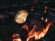 Forest Lunch, tortilla, el acampar, al aire libre Imagenes de archivo
