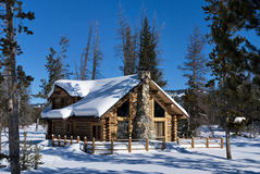 Forest Winter Cabin Royalty Free Stock Photos
