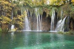 Foresta, cascata e fiume del parco nazionale di Plitvice Fotografie Stock Libere da Diritti