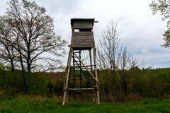 Foresta della torre dell'allerta di caccia Fotografia Stock Libera da Diritti