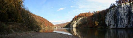 Foresta di Autum con il Danubio Fotografia Stock Libera da Diritti
