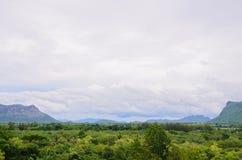 Foresta di vista prima di pioggia; kanchanaburi Fotografia Stock
