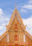 Foresta intagliata di Himaphan degli animali del tetto di timpano Immagini Stock Libere da Diritti