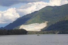 Foresta pluviale e Pit Mining aperto Fotografia Stock