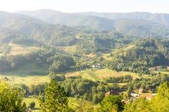 Foreste, campi e montagne della Serbia Immagine Stock