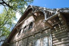Forestier de maison de conte de fées, cadre en bois photo stock