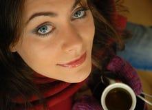 Foretasting il suo caffè caldo Fotografia Stock Libera da Diritti