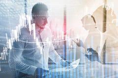 Forex που κάνουν εμπόριο, χρηματοοικονομική αγορά, έννοια επένδυσης στο υπόβαθρο εμπορικών κέντρων απεικόνιση αποθεμάτων