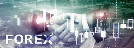 Forex handel drijvend, financiële kaarsgrafiek en grafieken op vage commerciële centrumachtergrond stock foto