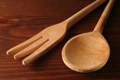 Fork y cuchara de madera Fotos de archivo libres de regalías