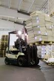 forklift αποθήκη εμπορευμάτων Στοκ Φωτογραφίες