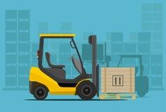 Forklift στην αποθήκη εμπορευμάτων Στοκ Εικόνα
