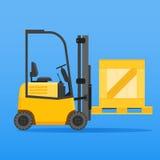 Forklift ciężarówka z drewnianą skrzynką Obraz Royalty Free