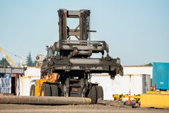 Forklift przy dworcem zdjęcie stock