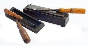 Formões de madeira e pedra de água velhos Fotos de Stock