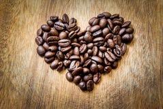 form för bönakaffehjärta royaltyfria foton