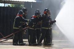 Formação da luta contra o incêndio Imagens de Stock Royalty Free