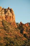 Formação da montanha do arenito vermelho, no Arizona no U S Sudoeste com a cara completa do penhasco imagem de stock royalty free