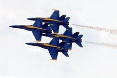 Formação de diamante dos anjos azuis imagem de stock