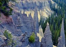 Formação de Pinnacales no parque nacional do lago crater Foto de Stock
