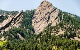 Formação de rocha Boulder dos ferros de passar roupa Colorado fotos de stock