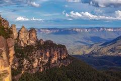 Formação de rocha de três irmãs em montanhas azuis Imagem de Stock Royalty Free