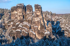 Formação de rocha saxona de Suíça no tempo de inverno Imagem de Stock Royalty Free