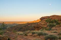 Formação de rocha vermelha na garganta dos reis em Austrália fotos de stock royalty free