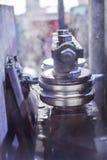 A formação de rolamento rola trabalhos do metal na fabricação de tubulações Fotos de Stock